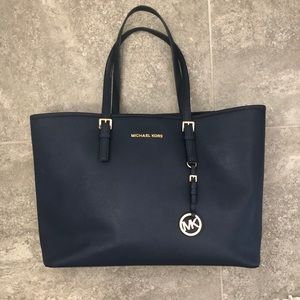 Micheal Kors Tote Navy and gold